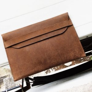 Mayor's Clutch in Mocha